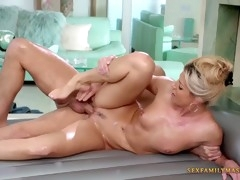 india summer oils herself up before sex