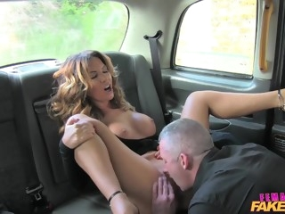 Sexy female driver loves hard cock of her customer