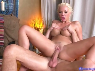 Juicy whore Barbie Sins getting massaged from inside